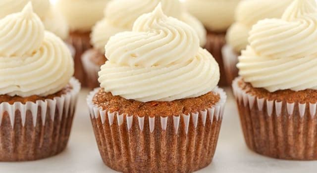 Society Trivia Question: Which cake has the fewest calories?