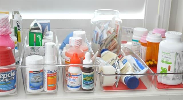 """Wissenschaft Wissensfrage: Wie werden """"topische"""" Medikamente normalerweise von einem Patienten eingenommen?"""