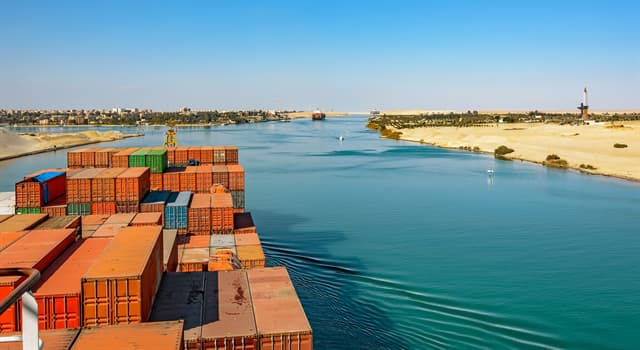 History Trivia Question: How many years did it take to complete the Suez Canal?