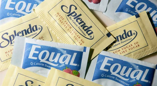 Culture Trivia Question: In North America, what is the colour of the paper packets for the artificial sweetener 'aspartame'?