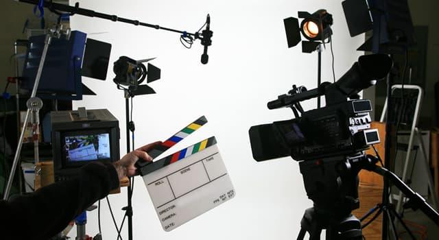 """Film & Fernsehen Wissensfrage: Wer sagte: """"Wir werden alle mit einem kleinen Funken Wahnsinn geboren. Du darfst ihn nicht verlieren...""""?"""