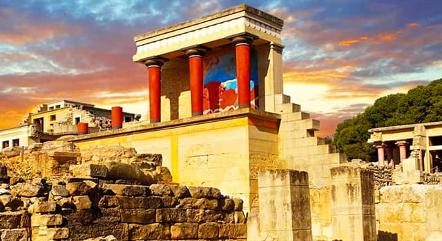 Science Trivia Question: Which English archaeologist began the excavations of the Palace of Knossos in 1900?