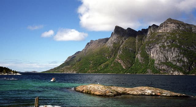 Geography Trivia Question: Hudson Strait is located on the territory of which country?