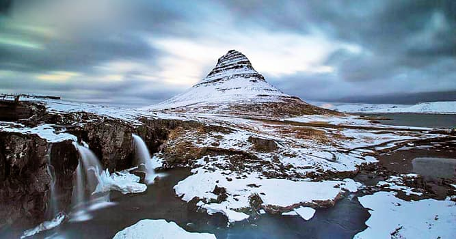 """Movies & TV Trivia Question: The TV show """"Game of Thrones"""" filmed scenes in which part of Iceland with famous beaches and jagged cliffs?"""