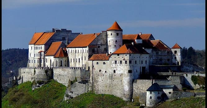 Culture Trivia Question: Which is the longest castle in the world?