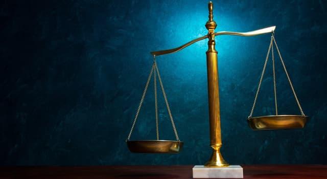 Cultura Pregunta Trivia: ¿Qué usa la Diosa Justicia como símbolo de su imparcialidad?