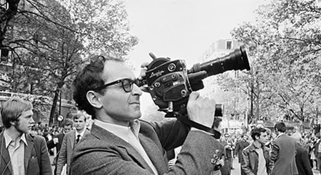 Películas y TV Pregunta Trivia: ¿Con qué largometraje debutó en el cine el director francés Jean-Luc Godard?
