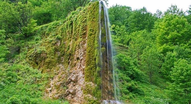 """Naturaleza Pregunta Trivia: ¿En qué país de la península balcánica se encuentra la """"Cascada Prskalo""""?"""