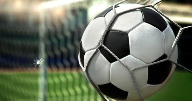 Deporte Pregunta Trivia: ¿A qué distancia de la portería está el punto de penal en una cancha de fútbol?