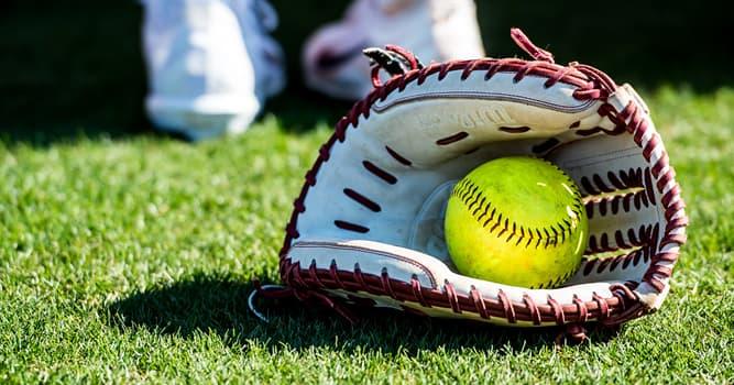 Deporte Pregunta Trivia: ¿Cuál de estos es un deporte parecido al béisbol pero jugado en un campo más pequeño?