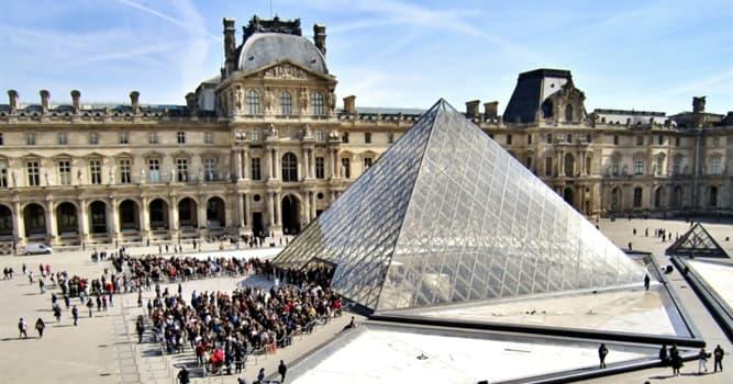 Cultura Pregunta Trivia: ¿Qué museo de París tiene cerca una gran pirámide de vidrio y metal diseñada por Ieoh Ming Pei?