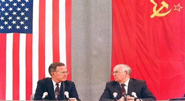 Historia Pregunta Trivia: ¿Cómo se denomina la conferencia en la que EE.UU. y la URSS acordaron el fin de la Guerra Fría?
