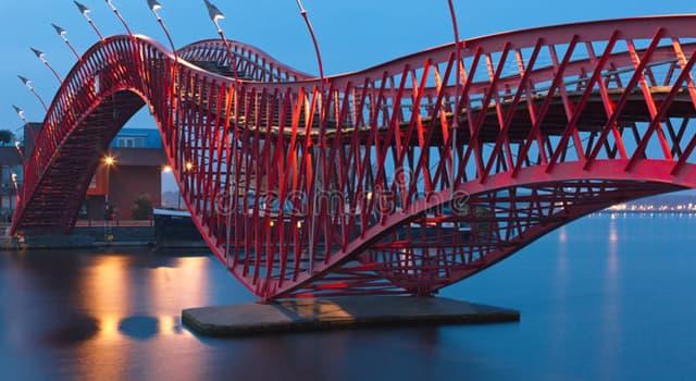 Geografía Pregunta Trivia: ¿En qué ciudad se encuentra el puente Pythonbrug?