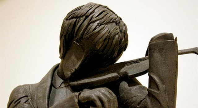 """Cultura Pregunta Trivia: ¿Quién es el autor de las esculturas """"El violinista"""", """"La toilette"""" y """"El hombre de la pipa""""?"""