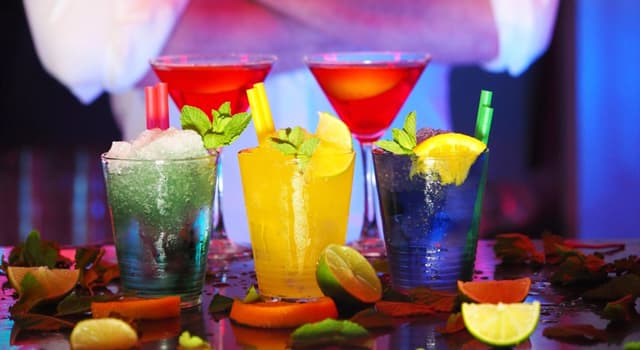 Sociedad Pregunta Trivia: ¿Cuál de los siguientes cócteles lleva ron?