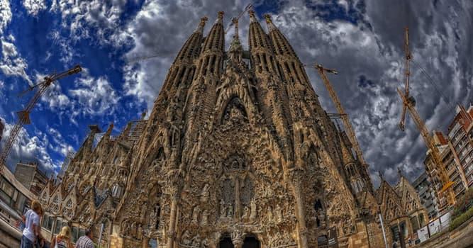 Cultura Pregunta Trivia: ¿En qué ciudad se pueden encontrar muchos edificios del arquitecto Antoni Gaudí?