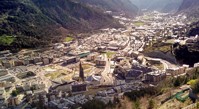 Geografía Pregunta Trivia: ¿Sobre qué cadena montañosa se encuentra Andorra?