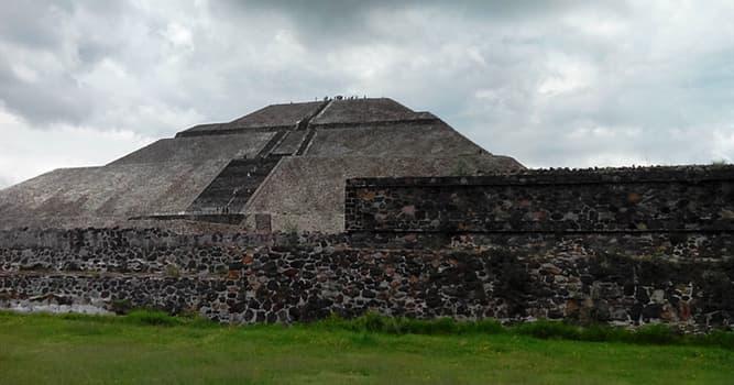 Geographie Wissensfrage: Wo befindet sich die größte bekannte Pyramide der Welt?