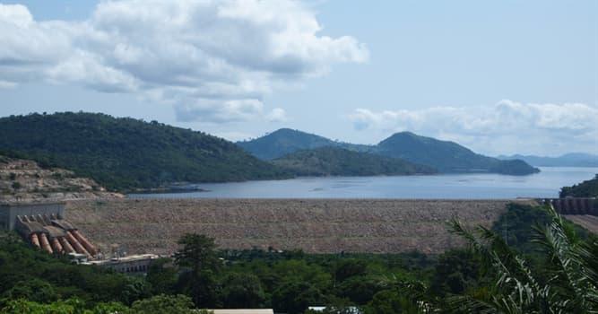 Geografía Pregunta Trivia: ¿En qué país fue construida la presa de Akosombo?