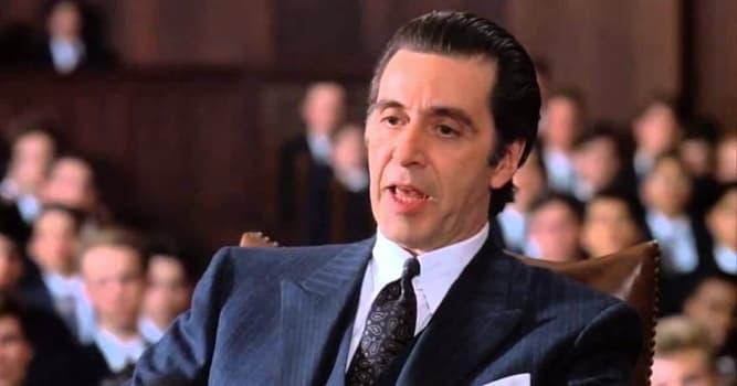 """Películas y TV Pregunta Trivia: ¿Qué impedimento físico sufre Al Pacino en la película """"Perfume de mujer"""" de 1992?"""